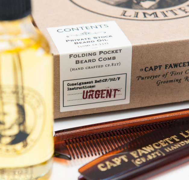 Geschenkset aus Bartöl und Reisekamm 2